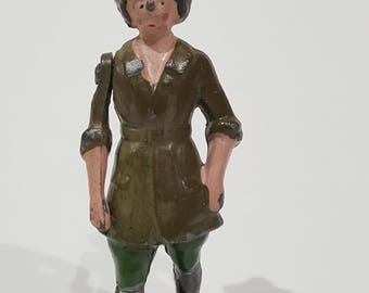 Britains Ltd Landgirls Land Girl Lead Figurine - Movable Arm - Model Home Farm Series # 535 Painted Made in England