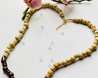 Light and dark wood beaded necklace