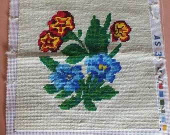 Vintage Wool Needlepoint for Decorative Pillow / Flowers / Hand-stitched