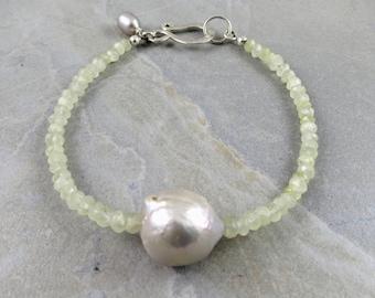 Prehinite And Fresh Water Pearl Bracelet