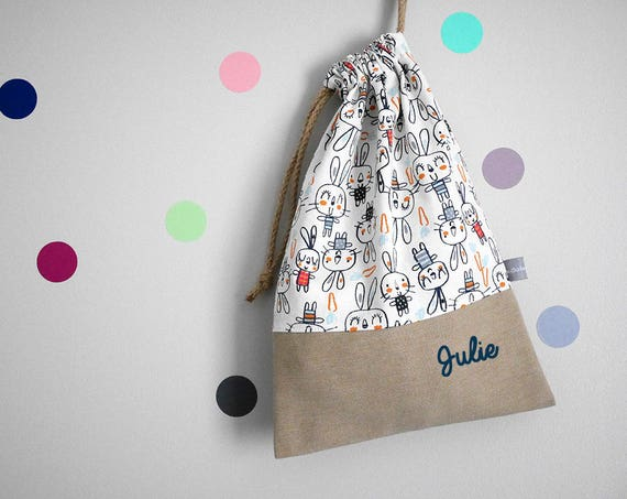 Customizable drawstring pouch - cuddly toy bag - name - kindergarden - bunnies - carrots - rabbits - white - navy - slippers or toys bag