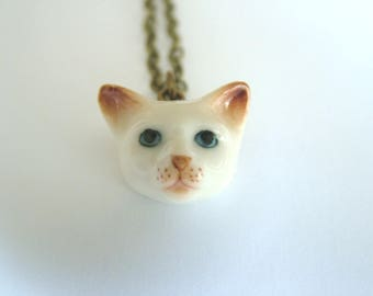 Small white cat necklace, cat necklace, white cat necklace, ragdoll cat, cat jewellery, kitten, kitty, kitten, siamese cat