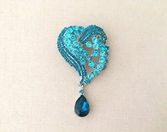 Teal Heart Rhinestone Brooch.Teal Heart Crystal Brooch.Pendant.wedding.Vintage Style.Valentine.Pin.Broach.Heart Brooch.Teal Turquoise Pin