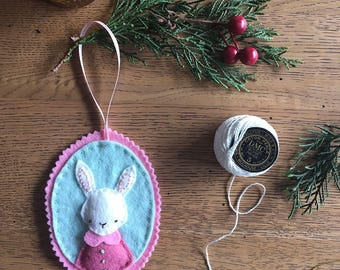 Rabbit's Favourite Outfit - Felt Christmas Ornament Decoration PDF Pattern