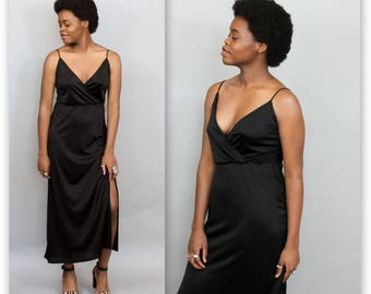 1970's Black Disco Dress with Spaghetti Straps in Large XL Plus Size . High Slit Evening Gown 70s . Busty Ankle Length Retro