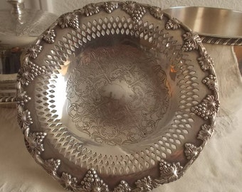 Old English Reproduction Silver plate compote footed dish WM Rogers grape motif electroplate on copper