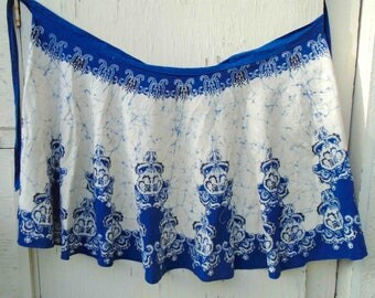Vintage Seventies All Cotton Hand Painted Batik Blue and White Wrap Skirt / Tribal Ethnic Festival Skirt / Size Small to Med