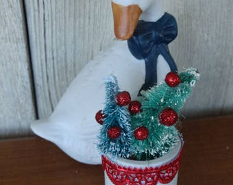White Christmas Goose, Duck, Geese, Bottle Brush Tree Figurine, Christmas Bell, White Duck, Table Decorations