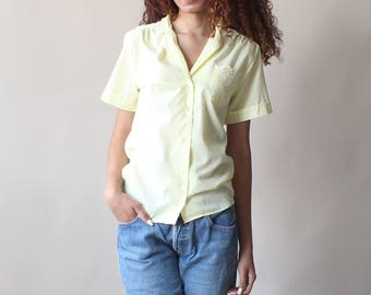 yellow short sleeve top | embroidered pocket blouse | 1980s xs - small