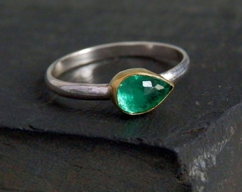 Emerald ring / May birthstone / 18k gold ring / rose cut emerald / natural emerald ring / teardrop emerald / emerald jewelry / ready to ship