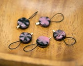 Flower stitch markers, pink knitting tools, black stitchmarkers, gift for knitter, beaded stitch marker, snag free, floral knitting tools