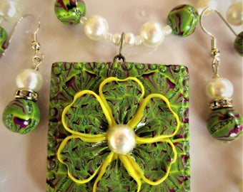 Jungle Flower Pendant Necklace and Earrings SET