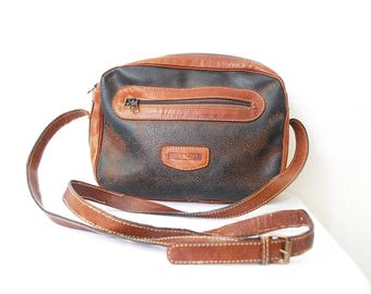 80s 90s distressed tan leather bag. crossbody bag. leather shoulder bag by BIRACCI