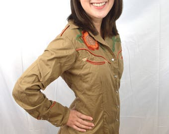 Vintage Embroidered Pearl Snap Western Womens Fitted Shirt - Salaminder