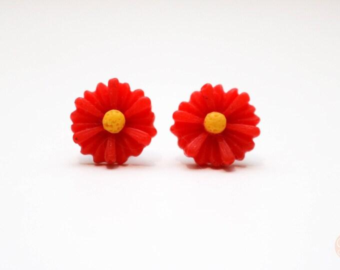 Red Daisy Earrings.