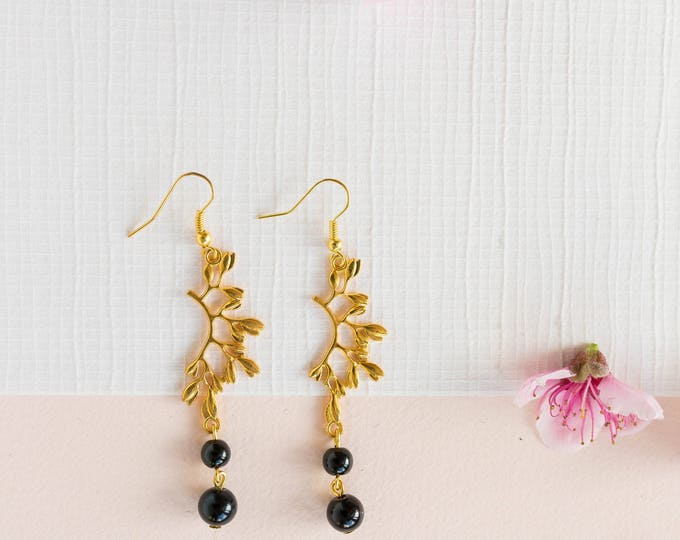 Cleopatra Beaded Gold and Black Dangle Drop Earrings.