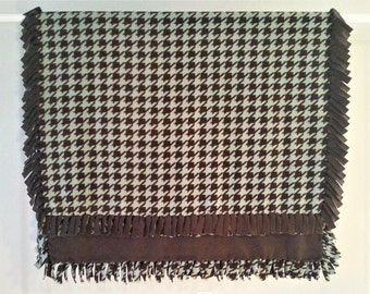 Fleece Blanket - Hand-Tied Fringe Throw - Houndstooth Theme - Chocolate And Sage