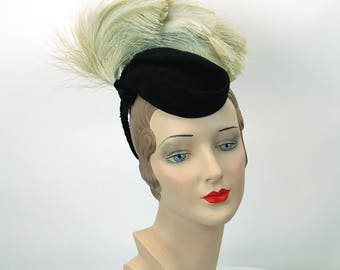 1940s hat black wool felt tilt hat feathers O-Ring  Glengarry style