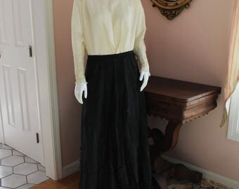 Antique Victorian Late 1800s to Early 1900s Black Long Women's Skirt