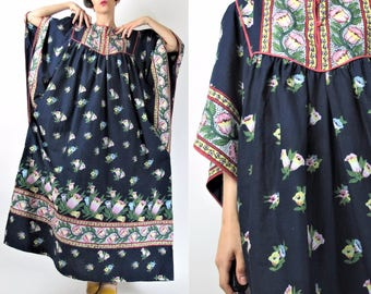 90s Vintage Caftan Dress Floral Print Indian Cotton Dress Kaftan Muu Muu Slouchy Oversize Boho Maxi Dress Navy Blue Bib Smock Dress XL E6056