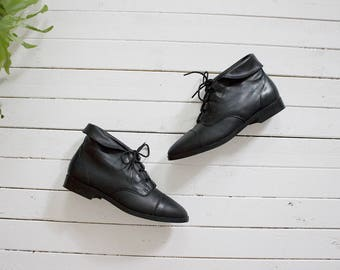 Vintage Ankle Boots 7.5 / Black Leather Boots / Cuffed Ankle Boots / Ankle Boots Women