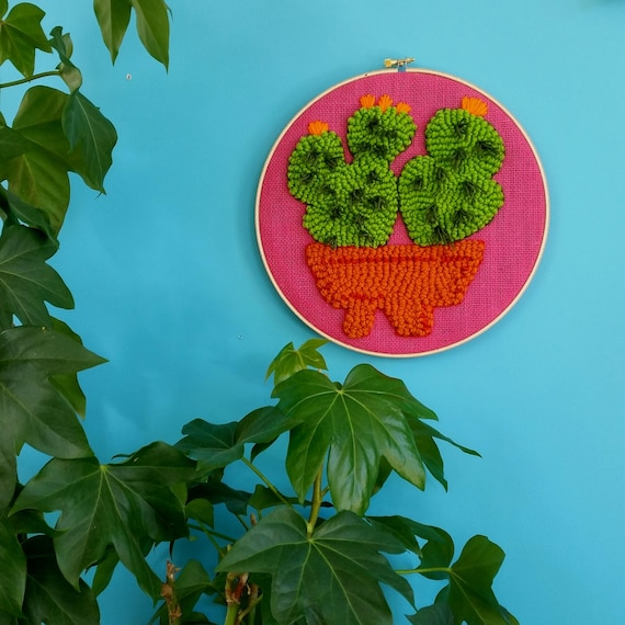 Cactus embroidery hoop. Cacti wall art. Punch needle. Mid century modern wall hanging. Hot pink burlap. Yarn art. Greenery