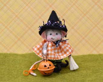 Needle Felted Halloween Mouse Witch
