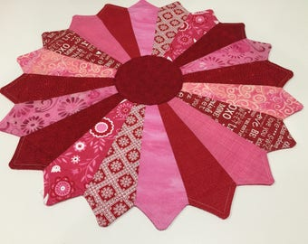 Valentine Dresden Pink & Red Quilted Table Topper