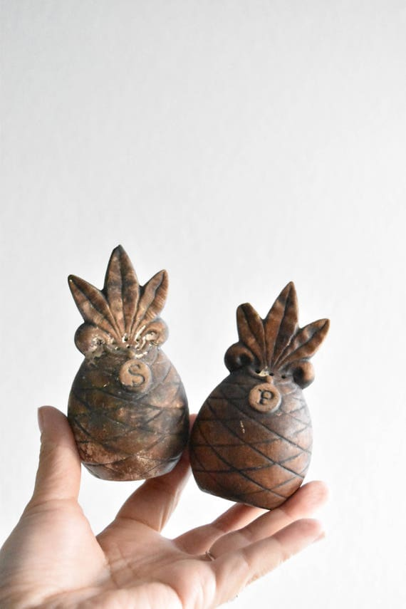 mid century set of 2 ceramic pineapple salt and pepper shakers