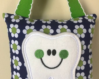 Tooth Fairy Pillow - White and Green Daisy/ Navy Blue Pillow with Green Ribbon - Kids Pillow - Kids Gift