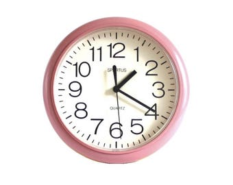 Mauve Wall Clock Round Pink Kitchen Clock Plastic Spartus Battery Operated 1980s 1990s