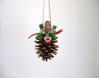 Ornament, Pine cone ornament, decorated pine cone with ceramic owl