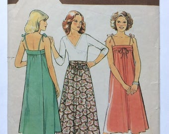 Style 2342 Vintage 70s Beach Wrap Dress or Skirt Sewing Pattern Bust 34 Hips 36