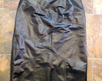 BLACK LEATHER LOOK seamed pencil skirt 1980's 80's S
