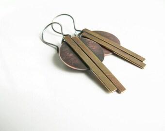 handmade copper dangle earrings, copper and brass jewelry, mixed metals earrings, Art deco jewelry, disc earrings, geometric dangle earrings