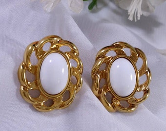 Vintage 1980s White Earrings Gold Tone Large Oval Costume Jewelry Tracy B Designs Estate Buyer and Seller