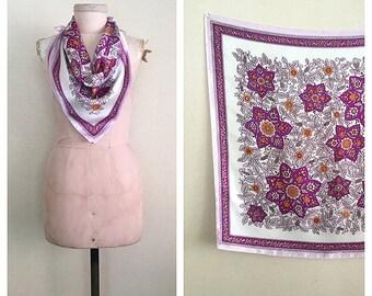Magenta Stars scarf | vintage 1960s headscarf | 60s floral neck scarf