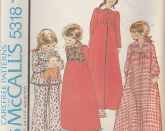 Girls Robe, Nightgown and Pajamas Pattern McCalls 5318 Size XS (2/4) Uncut