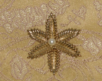 Flower Brooch Pin Faux Pearl 12 KT GF Gold Filled Floral Vintage Signed CF Co