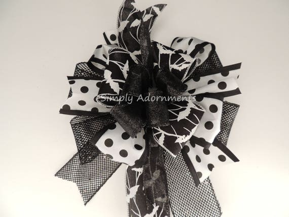 Black White Bat Halloween Wreath Bow Halloween Bat Lantern Bow Black White Dots Bats Halloween Door deco Bow Black Bat Halloween Party Decor