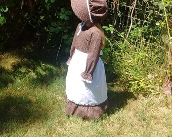 Ready to Ship! Size 4 Little girl Pioneer costume with bonnet and apron, Little girl prairie Costume
