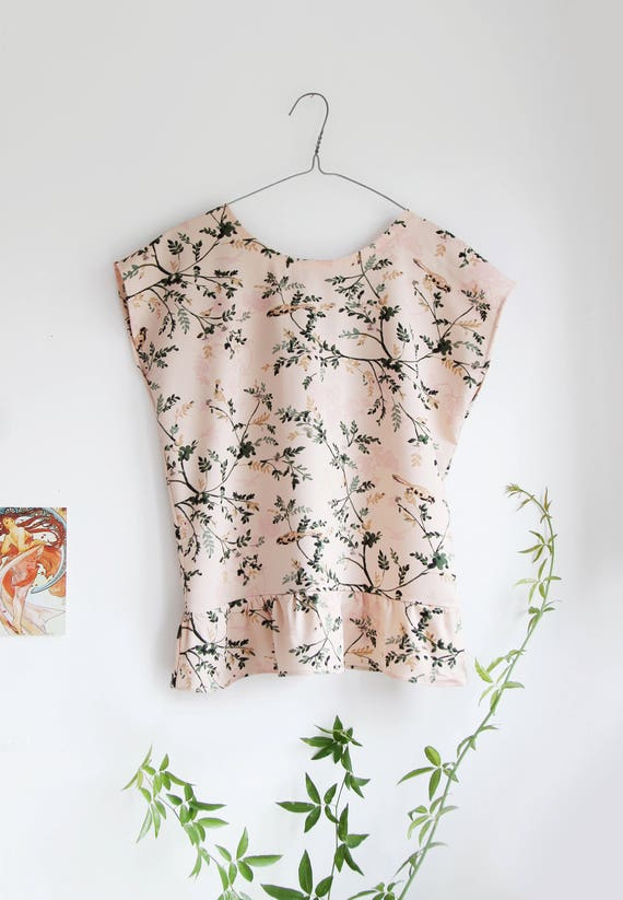 SALE! Leafy Frill Top in Dusty Pink