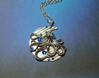 Octopus Necklace, Octopus Steampunk Necklace, Kraken Necklace, Cthulhu Necklace, N71
