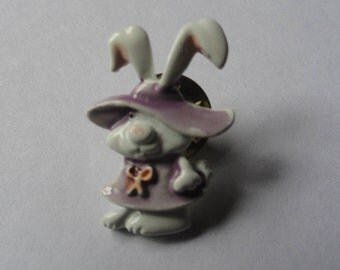 Vintage White Bunny Rabbit Easter Brooch Pin