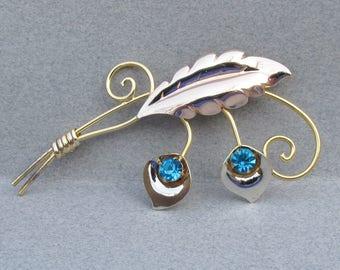 1940's Retro Signed VAN DELL Gold Filled Sterling Silver Aqua Rhinestone Flower Pin