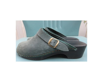 Vintage 1980's/1990's green suede leather clogs mules sz 7 Made in IT hipster boho hippie