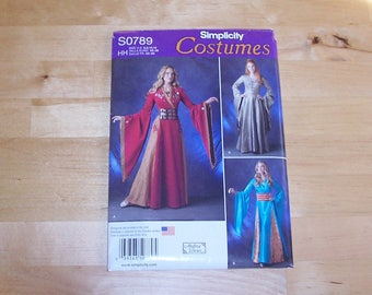 Simplicity Sewing Pattern 0789 - Costumes - Fantasy Women's Dress and Gown - Elf - Game of Thrones Cersei Lannister - Medieval Gown