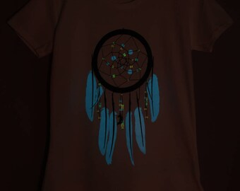 Violet Dreamcatcher Glow-in-the-dark Woman T-shirt