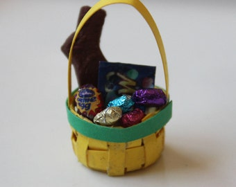 1/12th Scale Miniature Dollhouse Easter Basket (Yellow)