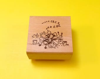 Sleeping BEE Wood Mount Rubber Stamp by PEDDLER'S PACK Stampworks 1995-1996